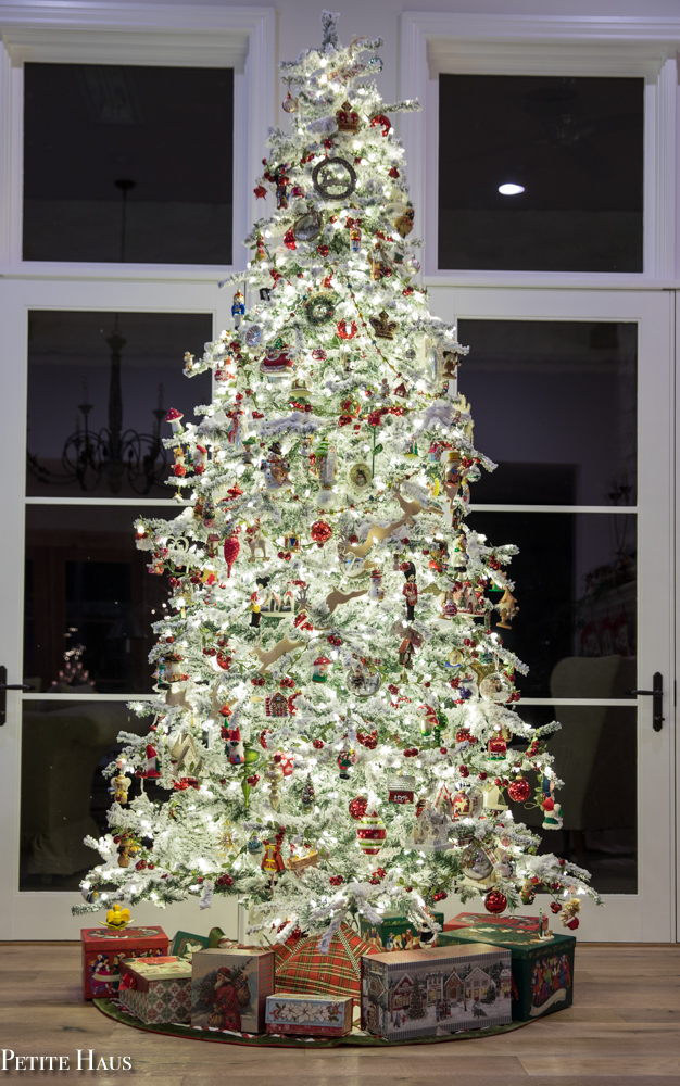 How to Decorate your Christmas Tree - Christmas Tree decorating tips
